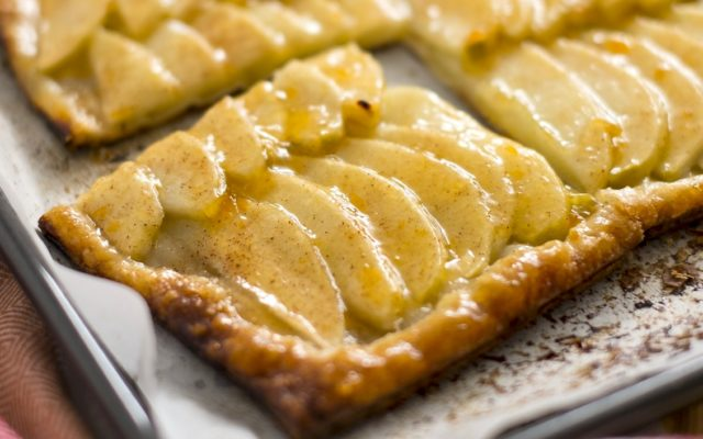 Easy 100-Calorie Apple Pie Pastry Squares
