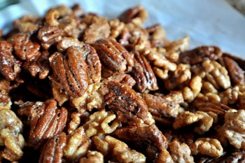 Sweet and Spicy Cajun or Crunchy Cinnamon Nuts!