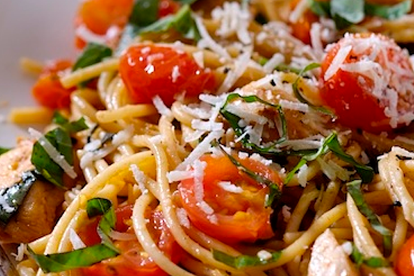 15-Minute Pasta with Chicken and Fresh Pomodoro Sauce