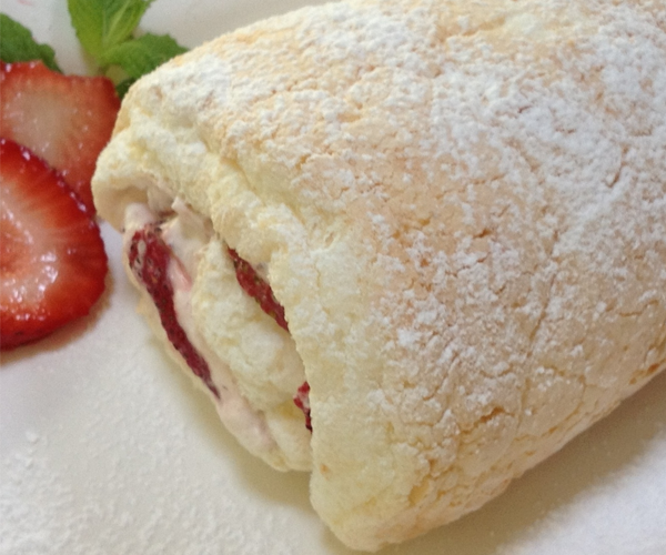 Heavenly Strawberry Cake Roll