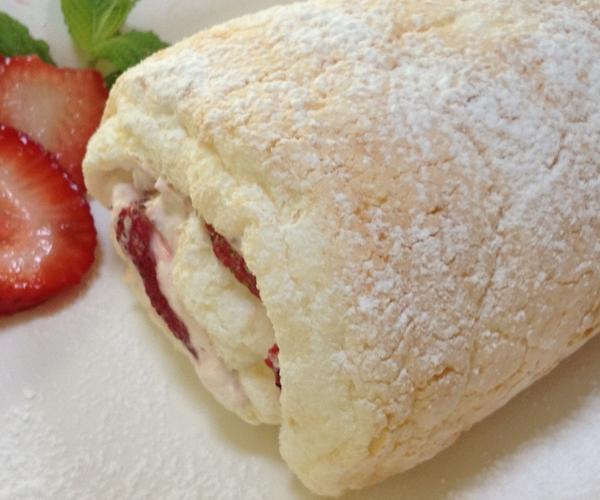 Heavenly strawberry cake roll marlene koch marlene koch heavenly strawberry cake roll forumfinder Gallery
