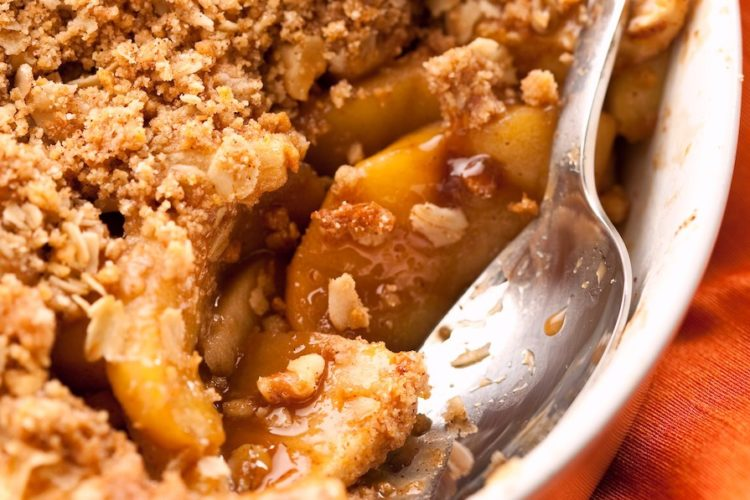 Warm Cinnamon Apple Crisp