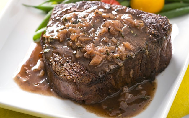 Pan Seared Filet Mignon with Rosemary Red Wine Pan Sauce
